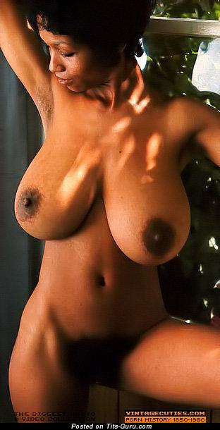 фото огромных афра сисек.