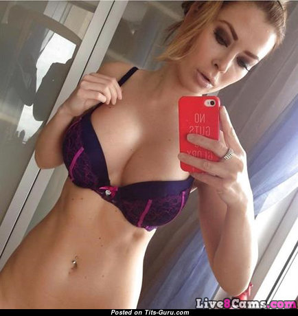 Alluring Unclothed Blonde Babe in Lingerie (on Public Selfie Sex Pic)