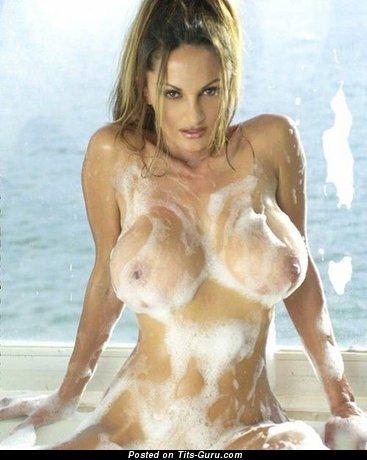 Image. Petra Verkaik - wet nude brunette with big boob pic