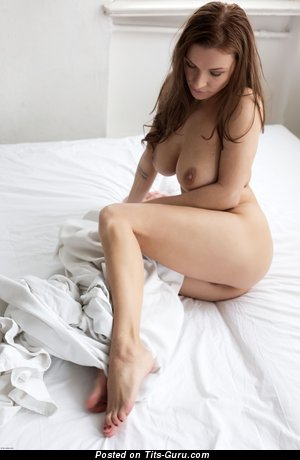 Image. Daisy - nude brunette with big natural tits picture