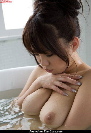 Изображение. Mai Nadasaka - изображение шикарной обнажённой леди с большой натуральной грудью