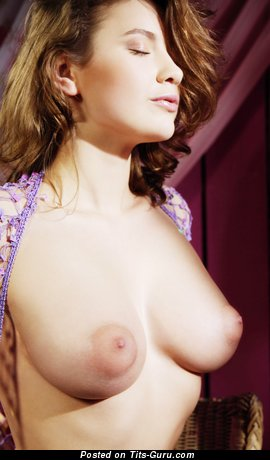 Image. Yasmeen - nude amazing girl with medium natural boobs image