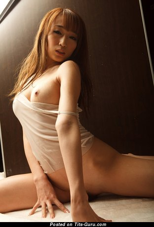 Image. Kurea Hasumi - naked asian with big natural tittes pic