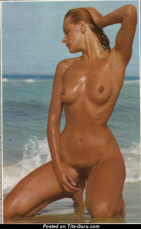 Nina Carter - Charming Topless British Blonde with Charming Nude Natural Flat Tots (Vintage Hd Xxx Foto)