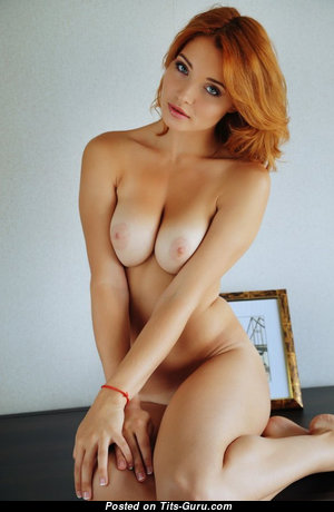 Splendid Babe with Splendid Bald Real Medium Sized Titty (Sex Photo)
