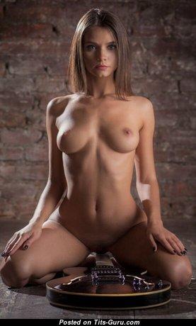 Magnificent Undressed Brunette (Porn Pix)