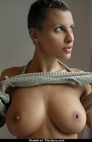 Sexy naked nice female with medium natural boob pic
