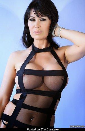Eva Karera - sexy nude hot girl pic