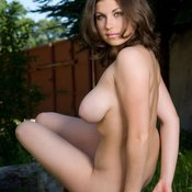 Brunette with big natural breast and big nipples pic