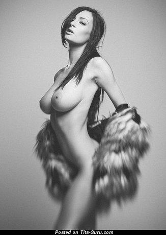 Alice Sey - naked wonderful woman with medium natural boob image