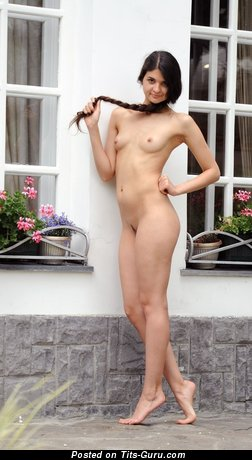 Fine Naked Lassie (Hd Sexual Photo)