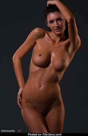 Image. Klaudia Khaki - naked hot lady with medium tittes picture