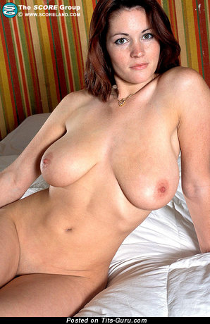 Grand Topless Red Hair with Grand Bare Real Med Boobies (Sex Picture)