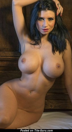 Sweet Glamour Babe with Sweet Naked Silicone D Size Boob (Hd Xxx Foto)