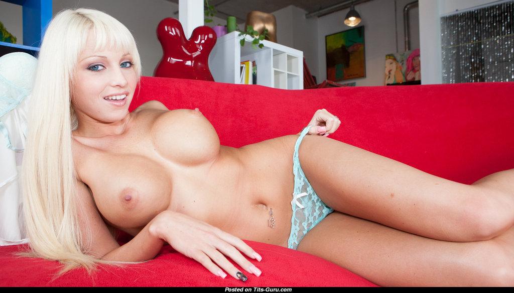 Rikki Six Naked
