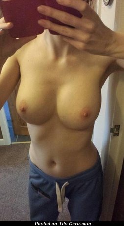 Amateur naked hot lady with natural breast image