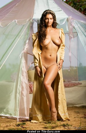 Image. Amiee Rickards - naked brunette with big natural breast pic