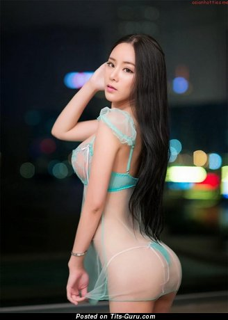 Image. Li Cha Er - nude asian with big natural tittys picture