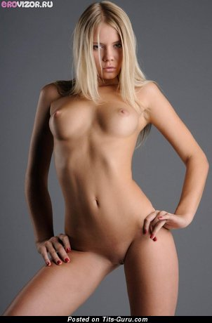 Image. Nude hot lady with medium tittys image