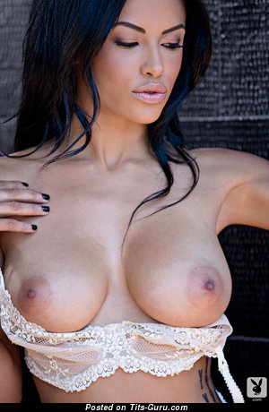 Kylie Johnson - nude brunette with medium boobs pic