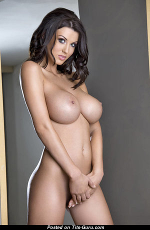 Sexy Glamour Brunette with Sexy Nude Average Jugs & Inverted Nipples (Sex Picture)