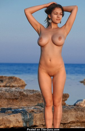 Image. Sofi A - nude wonderful lady image