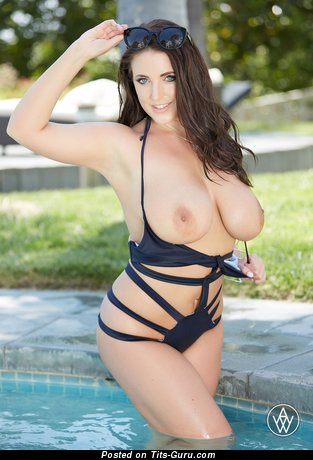 Angela White - Pretty Australian Pornstar with Pretty Naked Natural Med Balloons (Hd Sexual Foto)