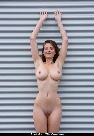 Dazzling Moll with Dazzling Bare Big Sized Boob (18+ Photoshoot)