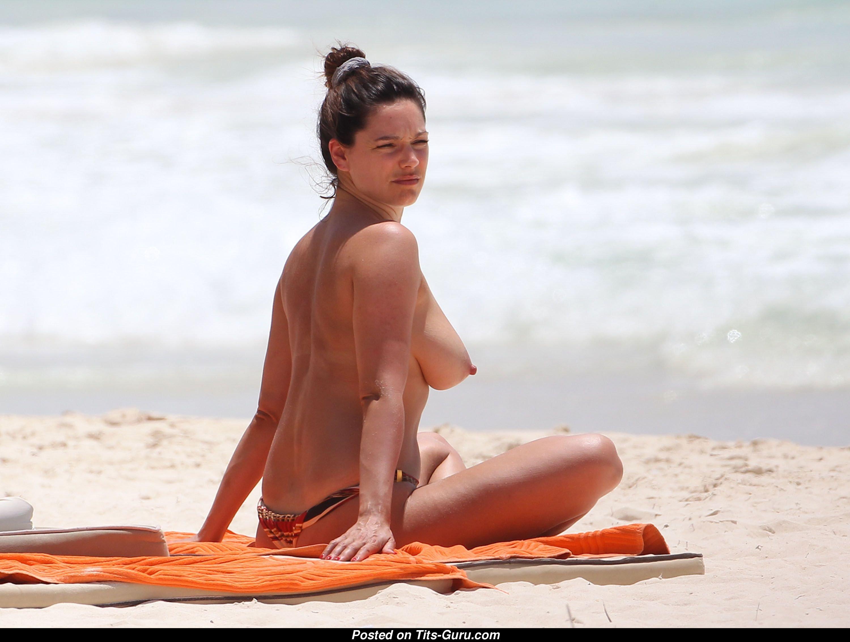 Brooks topless kelly Kelly Brook