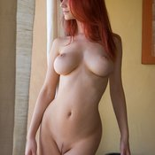 Ariel - nice lady with big natural tittes pic