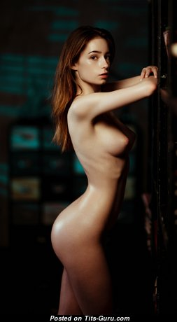Hot Babe with Hot Nude Real Tittes (Hd 18+ Pic)
