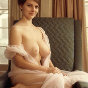 Nice woman with big natural tittes pic