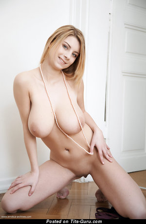 Cathy - Handsome Canadian Blonde Babe with Handsome Naked Real Substantial Boobies (4k 18+ Photoshoot)