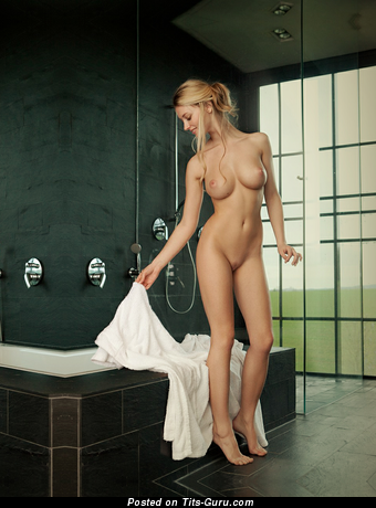 Image. Carisha - nude blonde with big natural breast picture