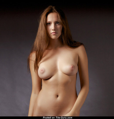 Fascinating Floozy with Fascinating Bare Real C Size Melons (18+ Pic)
