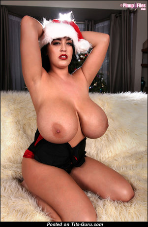 Leanne Crow - Stunning British Brunette Babe & Pornstar with Awesome Bald Natural Extreme Boob (Cosplay Hd Sexual Pic)