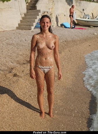 The Nicest Wet Bimbo with The Nicest Nude Natural Pint-Sized Knockers (Amateur Hd Porn Pic)