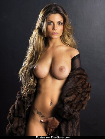 Exquisite Babe with Exquisite Bare Natural Average Boob (Hd Sexual Image)