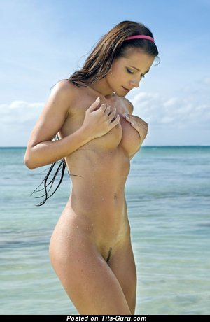 Image. Naked amazing lady with medium breast pic