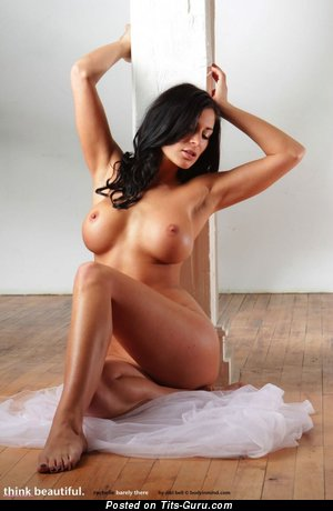 Image. Rachelle Barely - nude brunette with big boobs picture