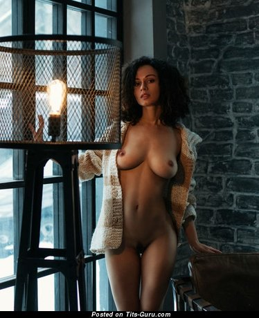 Pretty Brunette with Pretty Open Natural Normal Boobs (Sex Photo)