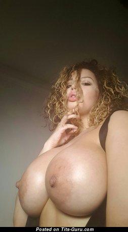 Aruba Jasmine - Beautiful British Pornstar with Beautiful Exposed Full Melons (Hd Xxx Picture)