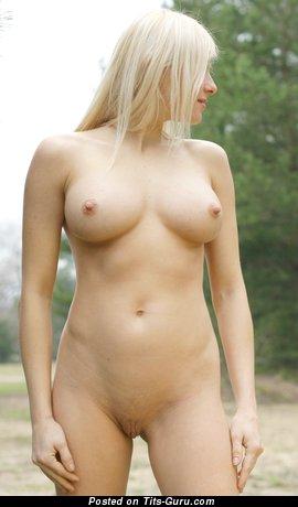 Image. Yanina - nude nice girl with big boob pic