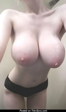 Amazing Dame with Amazing Bare Natural Tit (Selfie Porn Wallpaper)