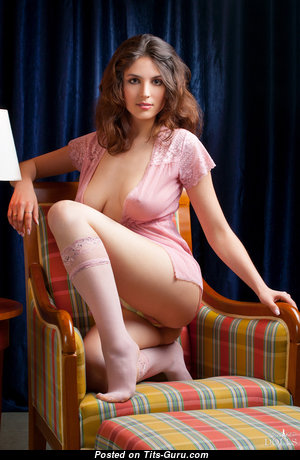 Melena Bee - Good-Looking Undressed Brunette (Hd 18+ Picture)