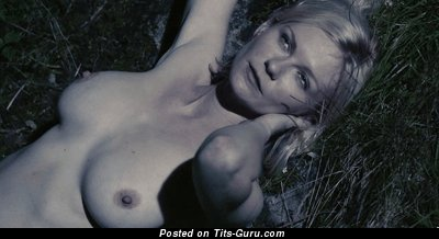 Изображение. Kirsten Dunst - гифка умопомрачительной голой блондинки с средними натуральными сиськами