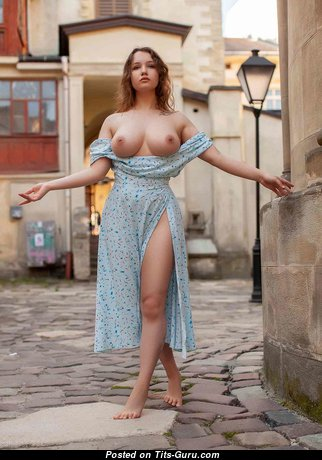 Splendid Babe with Splendid Bare Real Med Melons (Hd Xxx Foto)