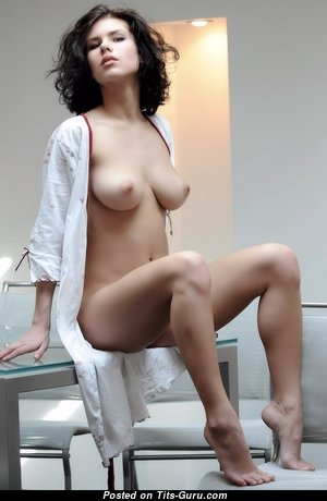 Elsa - Splendid Naked Brunette (Hd Xxx Foto)