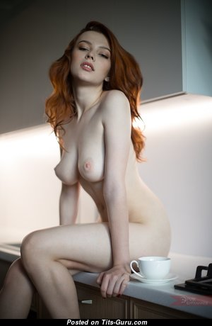 Gorgeous Babe with Gorgeous Naked Natural Med Tittys (Hd Sex Foto)