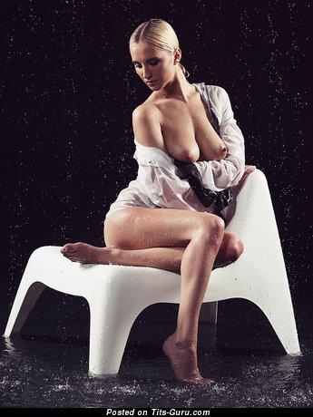 Image. Naked beautiful lady pic